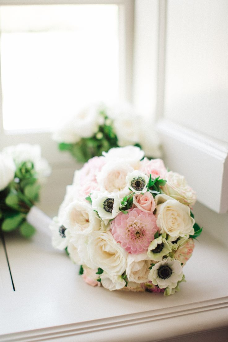 Wedding bouquets inspiration anemone rose and chrysanthemum facebook izmirmasajfo