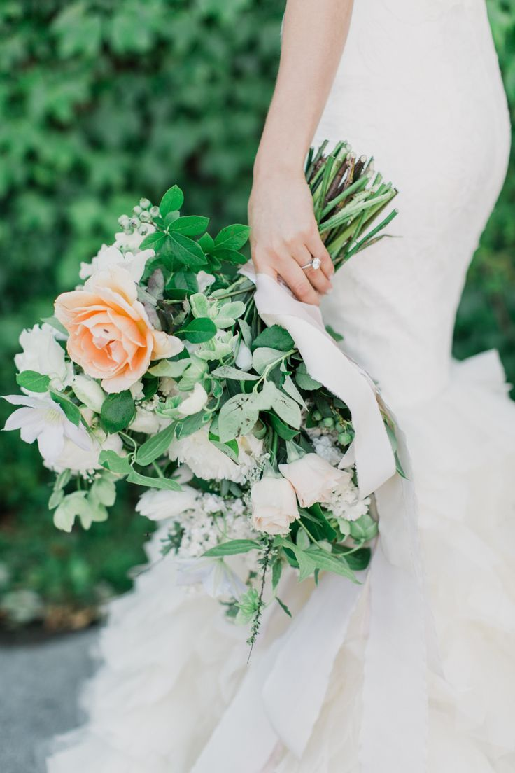 Bouquet Sposa New York.Wedding Bouquets Inspiration Peony Rose Ranunculus And Tulip