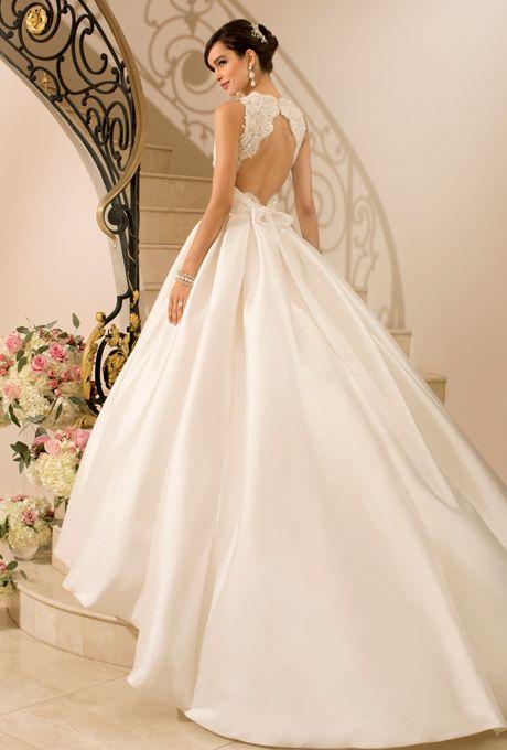 Ball Gown Wedding Dresses For Bride : STELLA YORK 5902 Classic ball ...