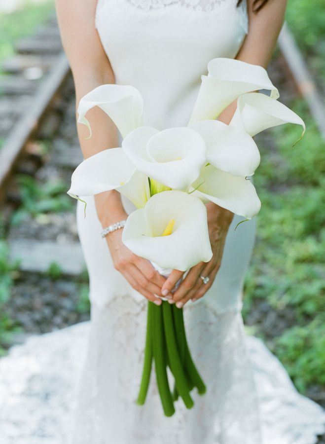 Bouquet Sposa New York.Wedding Bouquets Inspiration Gorgeous White Orchid Wedding