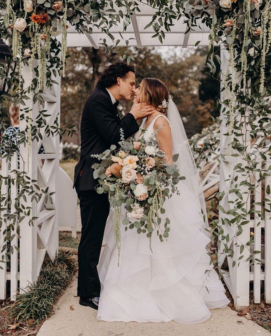Wedding Dress Inspiration : You may now kiss the bride This frame is ...