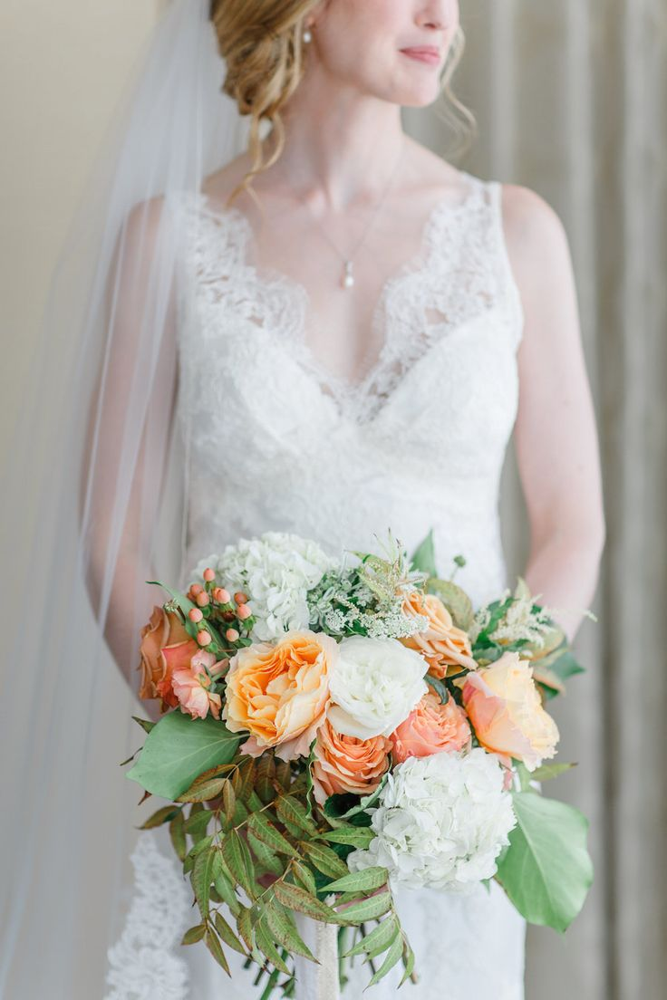 Wedding Bouquets Inspiration Elegant Peach White Wedding Bouquet Photography Caroline Logan Photography Jpg Weddingtrend Home Of Bridal Trends The Hottest New Wedding Trends Straight From The Experts