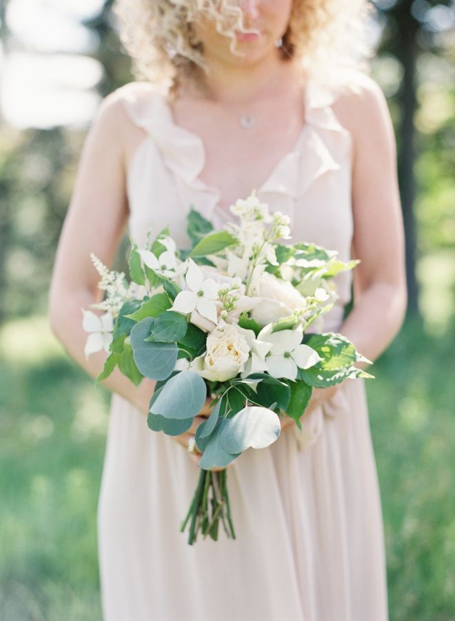 Wedding Bouquets Inspiration : We love the look of Japanese dogwood ...